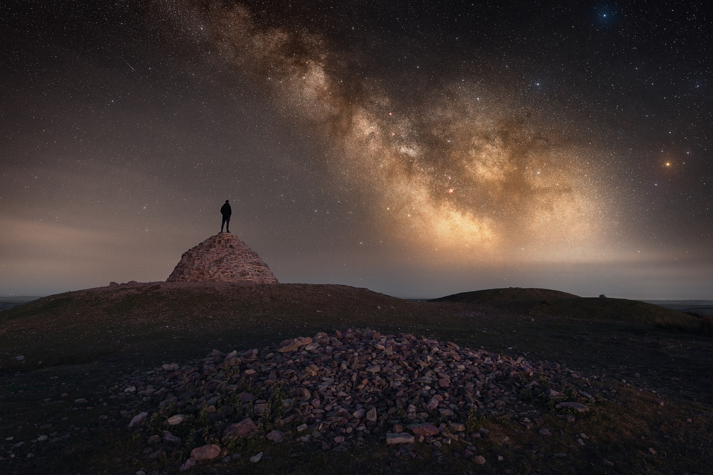 Laurence-Liddy-Under-The-Stars-At-Dunkery-Beacon-Exmoor_med-res.jpg